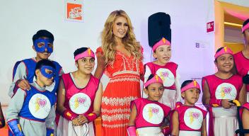 Paris Hilton visita el CRIT