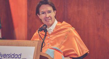 Fernando Landeros recibe doctorado Honoris Causa en Humanidades