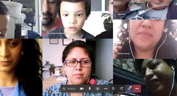 Captura de pantalla donde aparecen los rostros de varios niños y niñas del CAT y sus padres durante el taller de apoyo psicológico