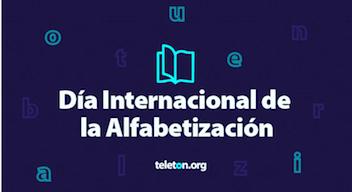 Texto sobre fondo azul: Día Internacional de l Alfabetización
