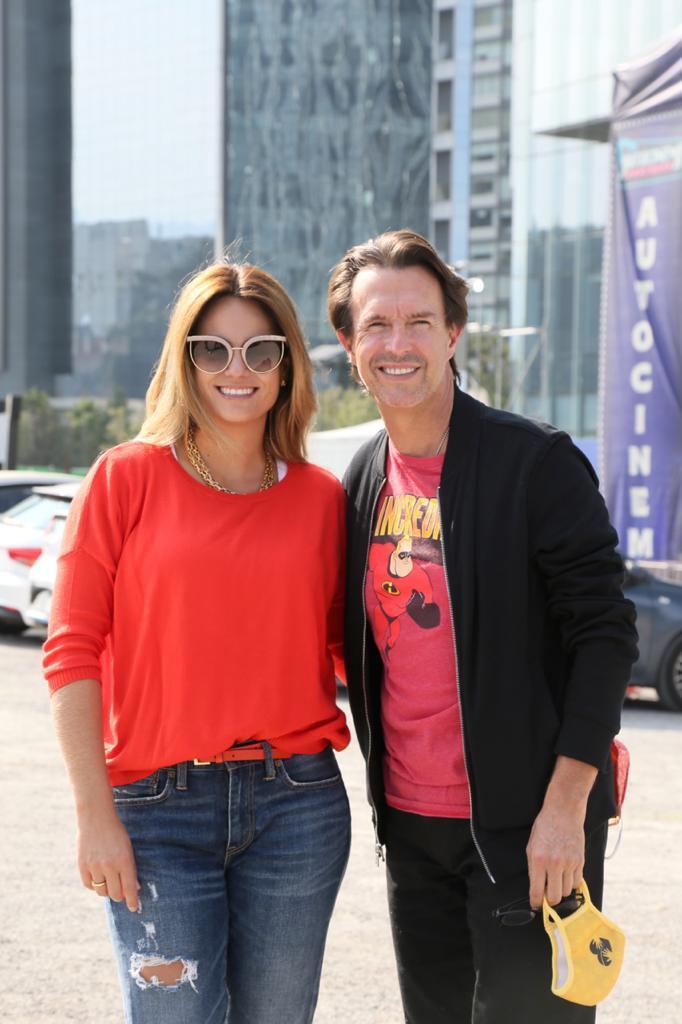 Foto de Fernando Landeros, presidente de Fundación Teletón, y su esposa, Paola Albarrán, directora de Ballet Teletón