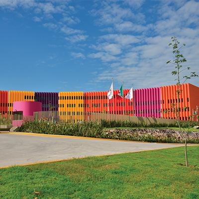 Foto de la fachada del Hospital Infantil Teletón de Oncología