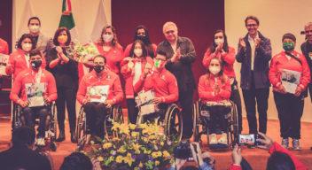 Atletas paralímpicos vistan el CRIT Estado de México
